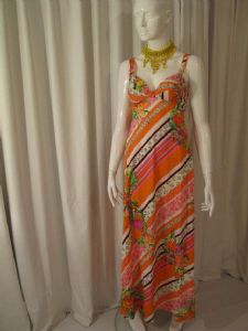 1960's Hi summer sun vintage dress